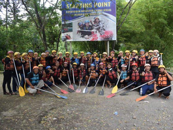 Tingkatkan Sinergitas dan Kekompakan melalui Rafting