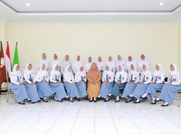 156 siswa angkatan 4, dinyatakan lulus 100%!!!