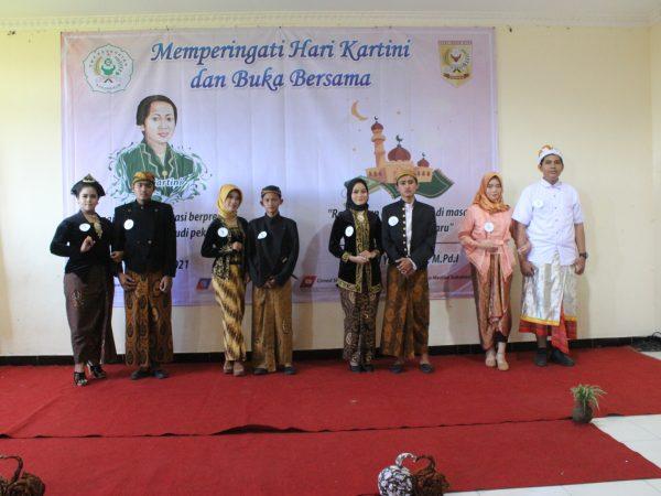OSIS SMK Kesehatan Citra Medika Sukoharjo Selenggarakan Peringatan Hari Kartini 2021